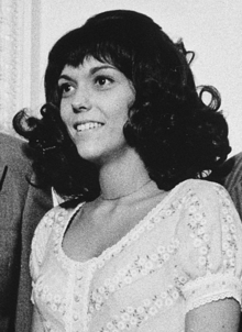 220px-Karen_Carpenter_in_1972_White_House